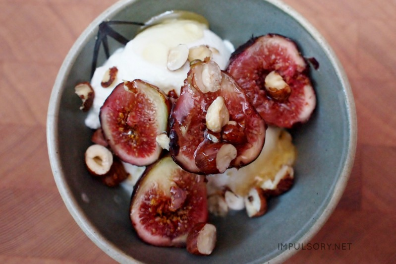 figs with yoghurt and honey